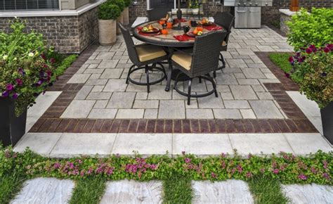 Unilock Transition Pavers by 3 Ways To Use Interlocking Concrete Pavers In Your