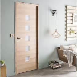 Bloc porte chene plaque chene leo artens h204 x l83 cm for Porte de garage coulissante et bloc porte pin massif