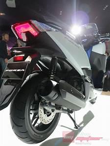 Honda Forza 125 Promotion : avant premiere mondial le scooter honda forza 125 ~ Melissatoandfro.com Idées de Décoration
