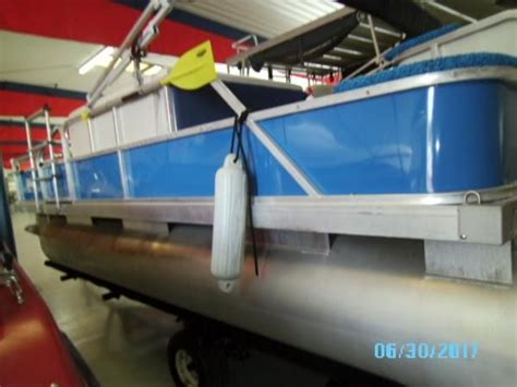 Pontoon Boats For Sale Louisville Ky by Pontoon New And Used Boats For Sale In Kentucky
