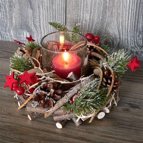 Weihnachtsdeko Adventskranz by Holzkranz Mit Deko Windlicht Advent Adventskranz