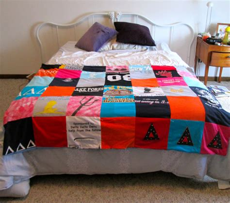 t shirt quilt diy how to make a tshirt quilt 19 diy tutorials guide patterns