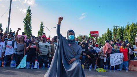 7 iconic photosimages from #EndSARS protests across the ...