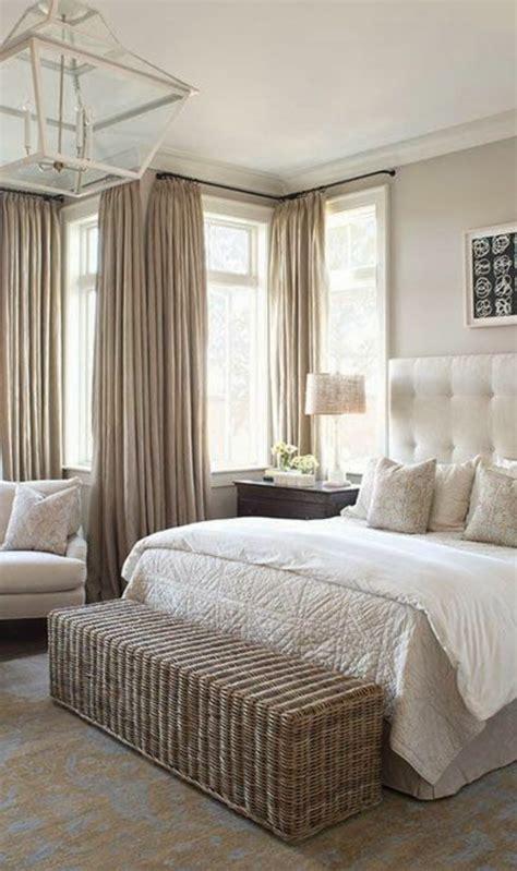 tapisserie de chambre a coucher chambre taupe et beige