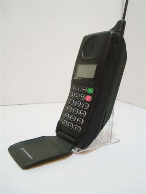 when did the cell phone come out 25 best ideas about motorola microtac on cell