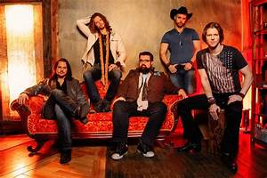 God Bless the USA: A Cappella Band 'Home Free' Covers Lee ...
