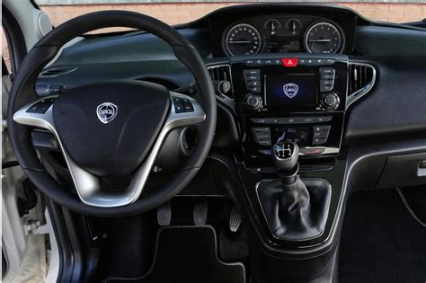 Photo Ypsilon 2016 interieur