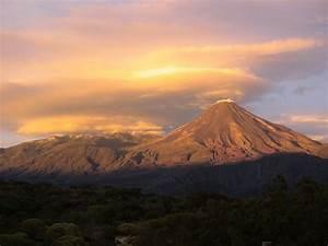 Panoramio - Photo of Volcan de fuego y de Nevado de Colima