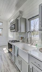 5 Farmhouse Kitchen Sink Ideas That Look Authentic   Tiny ...