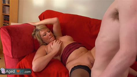 Young guy with big dick fucks his new sexy mature landlady