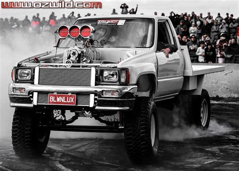BLWNLUX 1987 Toyota Hilux