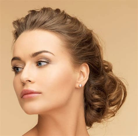 25 elegant hairstyles,for all holiday celebrations!