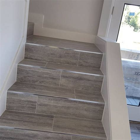 tile flooring on stairs best 10 tile stairs ideas on pinterest stairway tiled staircase and stair landing