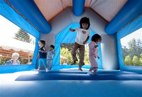 jumping activities development cognitive jump children play run birthday synaptic tags around age zoo runaround homework