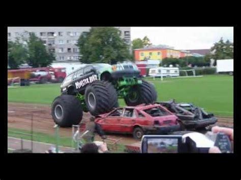 youtube monster truck show monster truck stunt show wałcz 2008 youtube