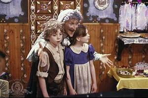 Pin Hansel And Gretel (1987) Movie and Pictures on Pinterest