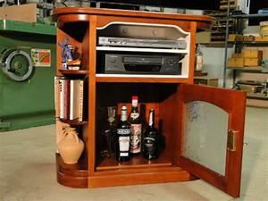 Petit Meuble Bar : meuble tv angles arrondis ebenisterie brettes ~ Teatrodelosmanantiales.com Idées de Décoration