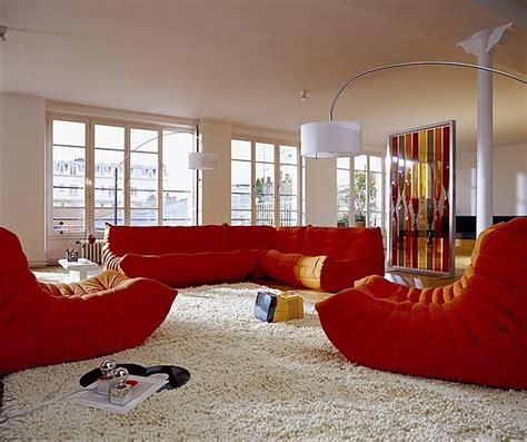 canapé en alcantara le canapé togo de michel ducaroy roi du confort