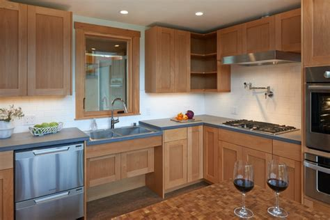 Recessed cabinets under the sink provide plenty of knee
