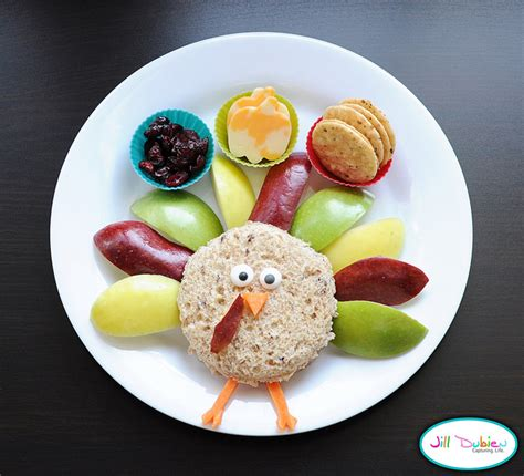 Want thanksgiving dessert recipes that are easy and delicious? 6 cute Thanksgiving treats for kids | Cool Mom Picks