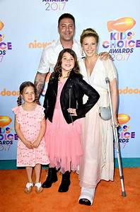 Zoie Laurel May Herpin Photos Photos - Nickelodeon's 2017 ...