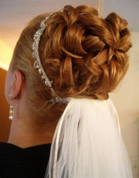 curly wedding hairstyles with veil   Hollywood Official