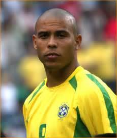 90s Curtain Haircut by Ronaldo Topnews
