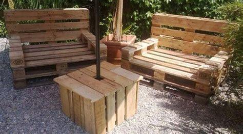 loungemöbel aus europaletten kaufen palettenbank selber machen m bel aus paletten bauen anleitung gartenm bel aus europaletten