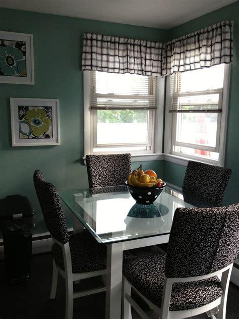 teal color kitchen black white teal kitchen valspar paint woodlawn 2680