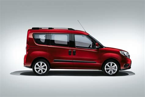 fiat kastenwagen doblo fiat launches facelifted doblo mpv releases uk pricing