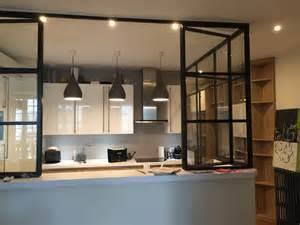 creation d39une cuisine avec verriere With idee deco cuisine avec magasin lit