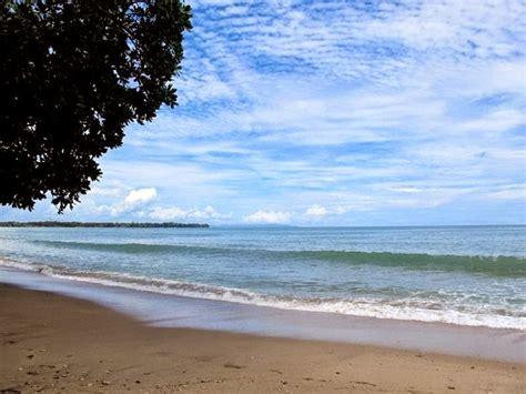 pantai tanjung lesung karang bolong