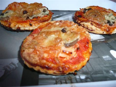 mini pizza feuillet 233 e dans sa cuisine