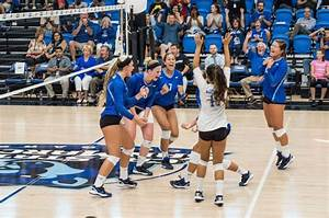 The Cougar Chronicle : Women's Volleyball succeeds at showcase