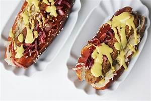 Hot Dog Belegen : bayerischer hot dog mit veganer bratwurst sauerkraut cheap and cheerful cooking ~ Orissabook.com Haus und Dekorationen