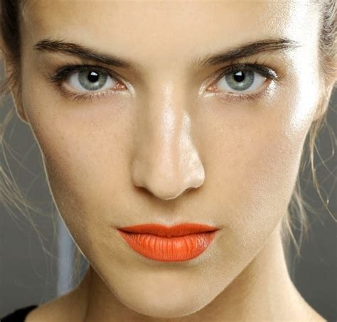 Морковная помада в макияже