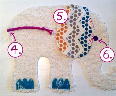 Kuschelelefant mit aroma ist kuschelelefant oder spieluhr mit wunschnamecvon der allgäuer kuscheltiermanufaktur. FREEBOOK: Kuschel-Elefantenfamilie nähen - Lybstes.