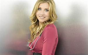 Sarah Chalke Wallpapers High Resolution and Quality Download