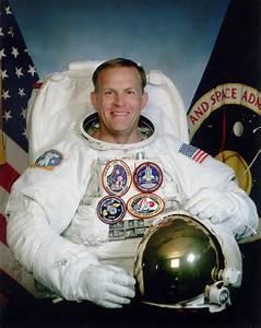 Astronaut Bio: Mark C. Lee 10/2006