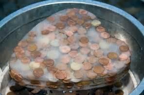 hochzeitsgeschenk ideen geldgeschenke hochzeitsgeschenk taki geldgeschenk münzen in eisblock geld geschenke gift of money