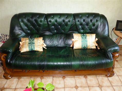 canapé cuir vert fauteuil cuir vert bouteille clasf