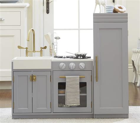 pint sized mdf  solid wood kitchen cabinetry