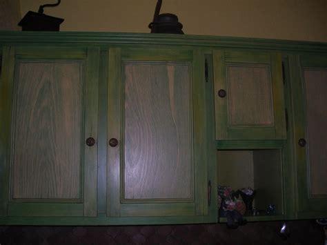 faux bois cérusé peint sur cuisine aménagée photo de i