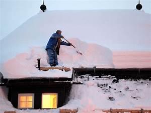 Efeu Vernichten Heißes Salzwasser : schnee und eiszapfen auf dem dach darauf m ssen ~ Watch28wear.com Haus und Dekorationen
