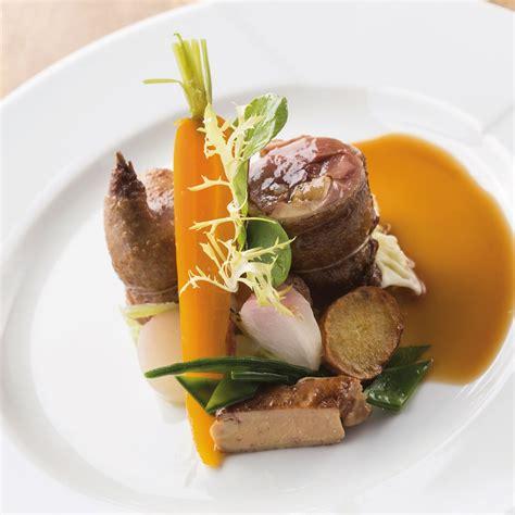 cuisiner pigeon pigeon farci au foie gras nos recettes a g plats