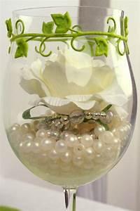 Rosen Im Glas : tischdeko glas mit perlen und rose gef llt tischdeko tischdeko rosen und perlen ~ Eleganceandgraceweddings.com Haus und Dekorationen