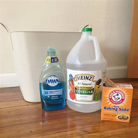 cleaning kitchen cabinets with vinegar and baking soda cleaning wood cabinets with vinegar and mail cabinet
