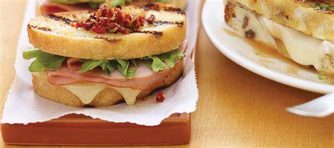 cuisiner des courges sandwich au fromage fondant au jambon recette plaisirs