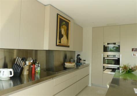 realisation cuisine réalisation d 39 une cuisine sous toiture menuiserie weber