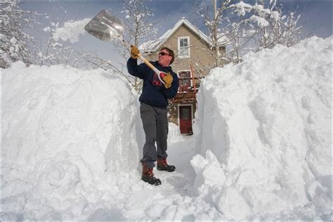 Kas jāzina par sniega tīrīšanu? Pieredzē dalās Jānis Hauka ...